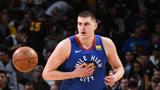 NBA放大镜:约基奇25岁了,减重20斤焕发魔力,仍是最可爱的中锋