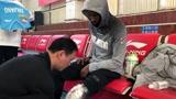 广东宏远VS新疆男篮赛前,外援克拉克表示自己伤的部位还有些酸痛