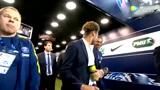 内马尔出现在看台,并与队友一起庆祝法国杯冠军