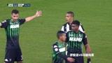 萨索洛VS乌迪内斯:白队球员角球传中,被守门员跳起拿球