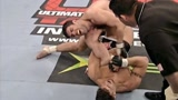 """前UFC重量级冠军最""""霸气""""一战!46秒直接让对手退役!"""