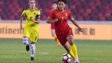 中国女梅西实至名归!王霜轻松驾驭30米不落地传球+花式足球