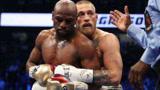 嘴炮康纳与梅威瑟的跨界大战,拳王实力证明:光在UFC耍嘴皮没用!