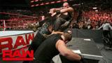 RAW 8.20: 伦斯胜巴洛尔捍卫WWE全球冠军 人间怪兽兑包捍卫者重组