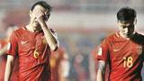 中国男足勉强踢平鱼腩队,球迷现场痛哭:男足未来还有希望吗?